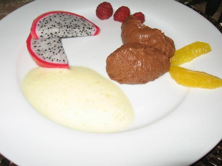 erdbeereis und erdbeermousse mit amarettojoghurt ein kochmeister rezept. Black Bedroom Furniture Sets. Home Design Ideas