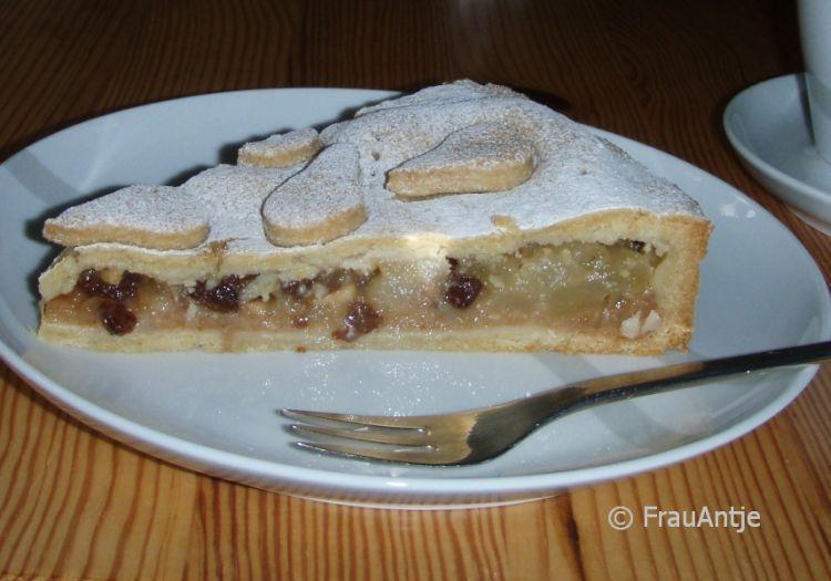 Crostata di pere (italienischer gedeckter Birnenkuchen)