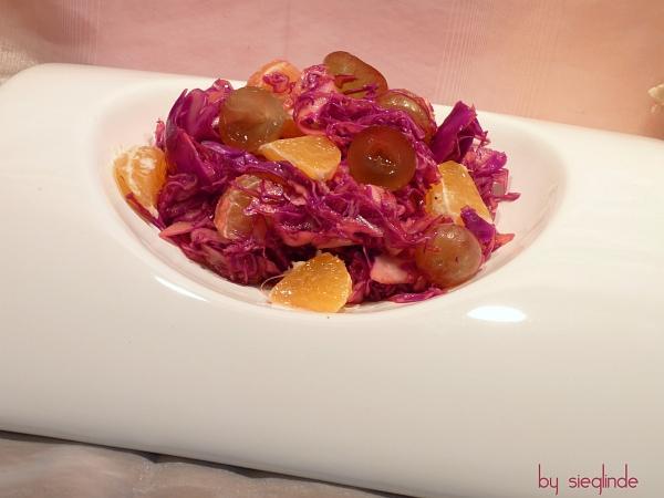 Rotkrautsalat mit Früchten
