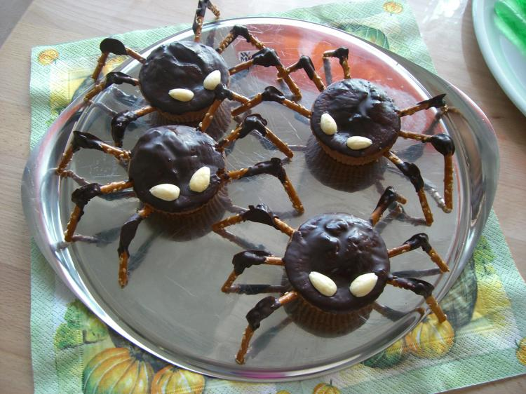 Halloween-Spinnen aus Muffins