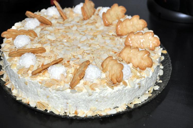 Raffaello-Ananas-Torte