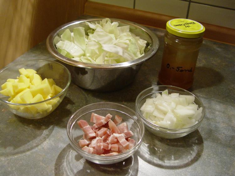 Spitzkohlsuppe