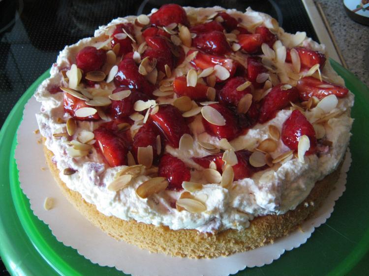 Erdbeer-Mascarpone-Torte