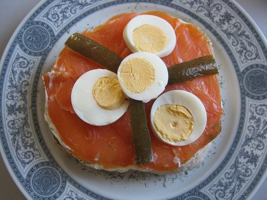Lachstorte auf fladenbrot ein kochmeister rezept - Eier hart kochen dauer ...