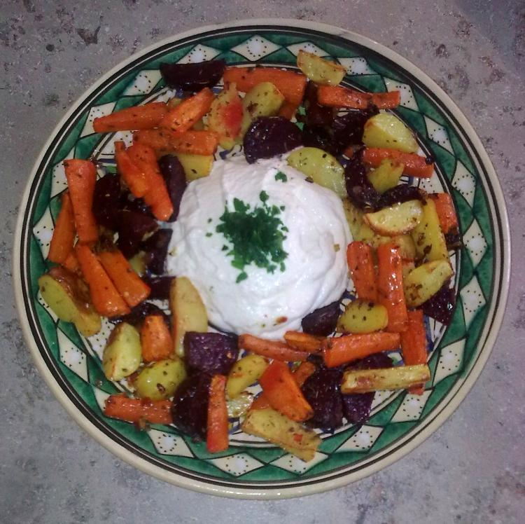 Winterliches Ofengemüse mit Meerrettichquark