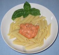 Schnelle Nudelsauce mit Crème fraîche und getrockneten Tomaten