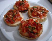 Tomaten-Knoblauch-Crostini